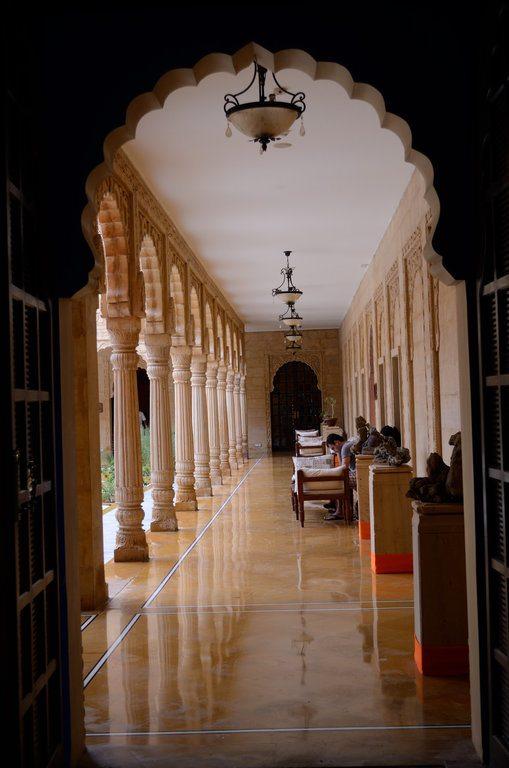 参观拉贾斯坦邦的洛杜尔瓦耆那教寺庙
