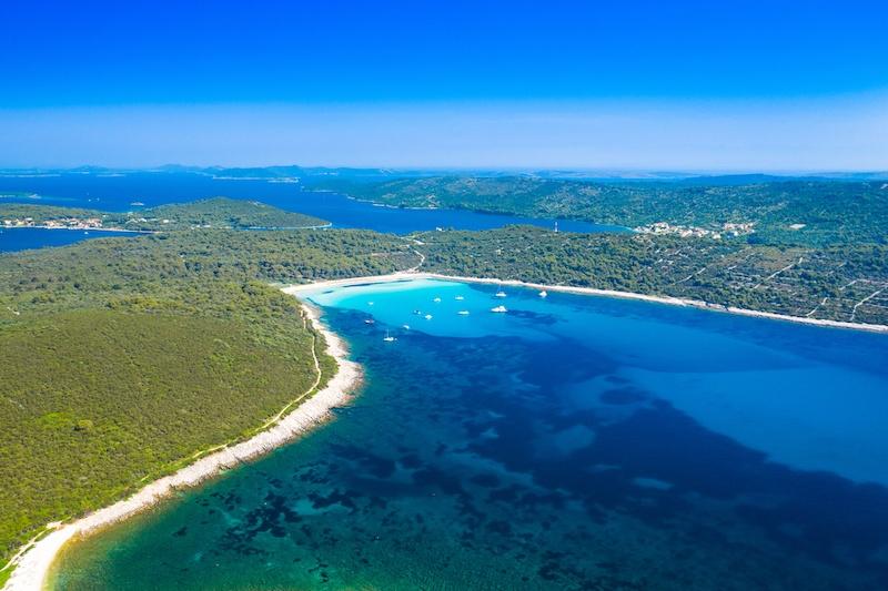 杜吉奥托克:克罗地亚的长岛和萨卡伦海滩