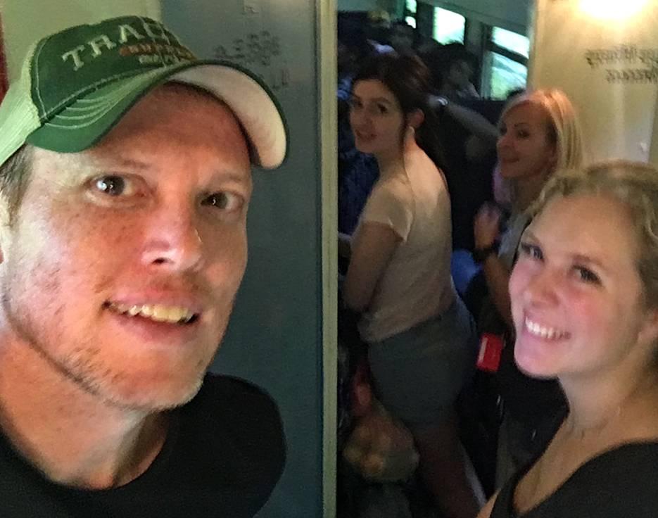 重新踏上斯里兰卡火车上的背包客之路 – 罗夫-波茨