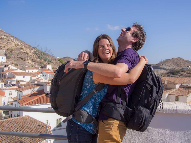 如何在欧洲从夏天到冬天收拾4个月的行李(只带随身物品!)。