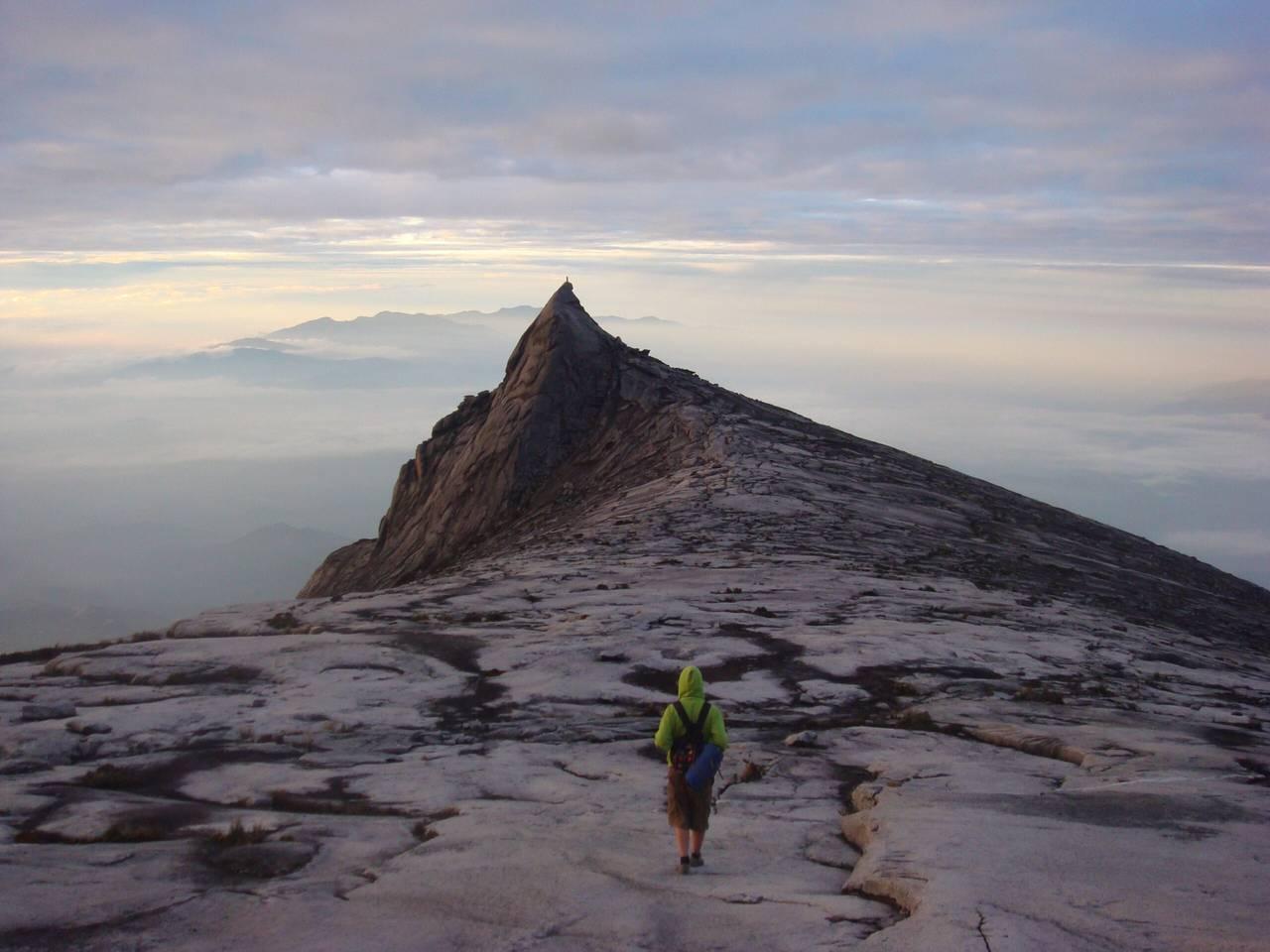 攀登京那巴鲁山;攀登前你需要知道的一切!