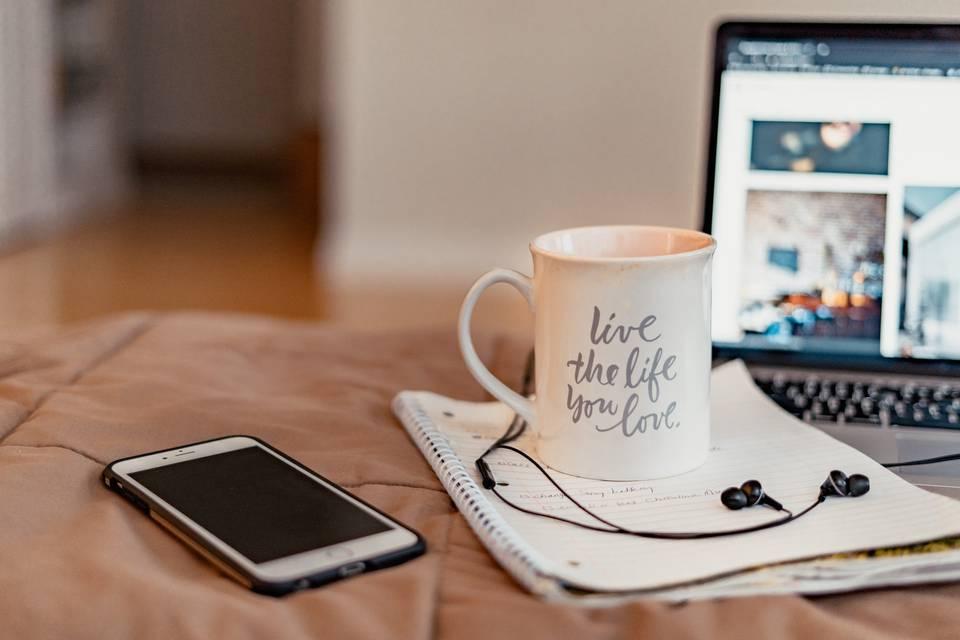 26个能让你在世界任何地方在线工作的工作 – 祝福桶