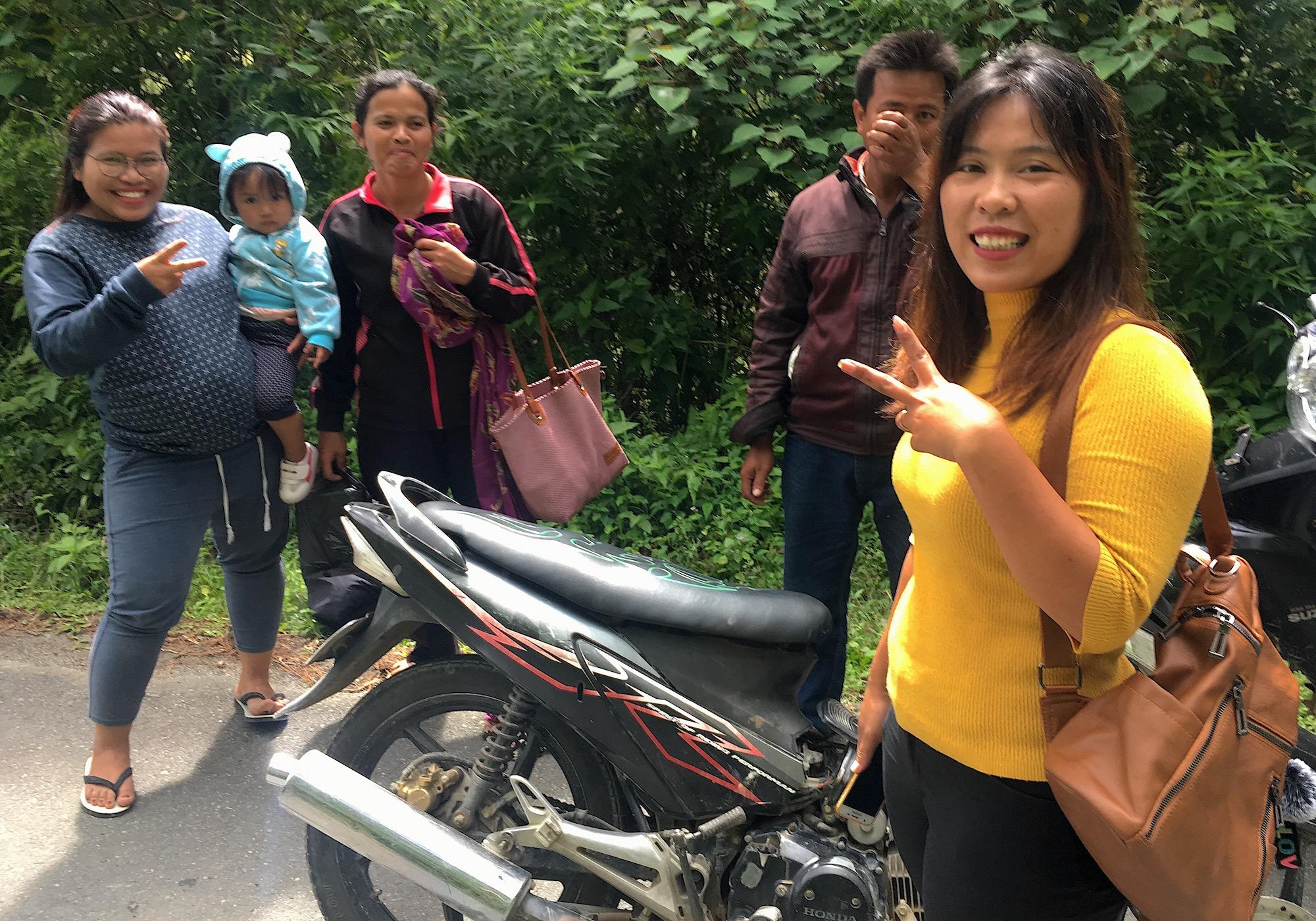 苏门答腊人#2:桑提(她的围巾被摩托车链轮夹住了)–罗夫-波茨