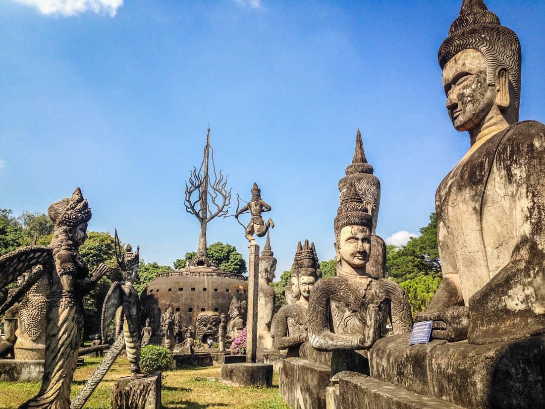老挝万象的奇特佛像公园。照片集锦