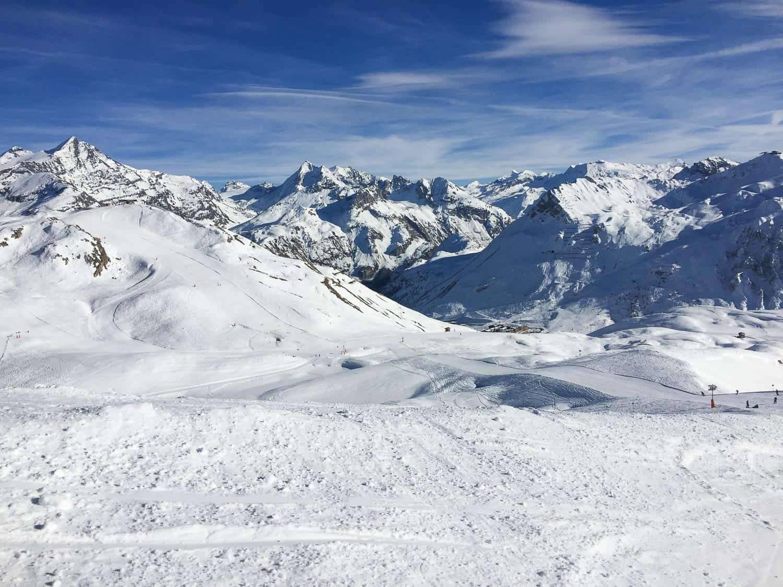 法国提格尼斯的经济型滑雪之旅,包含阿尔卑斯山元素
