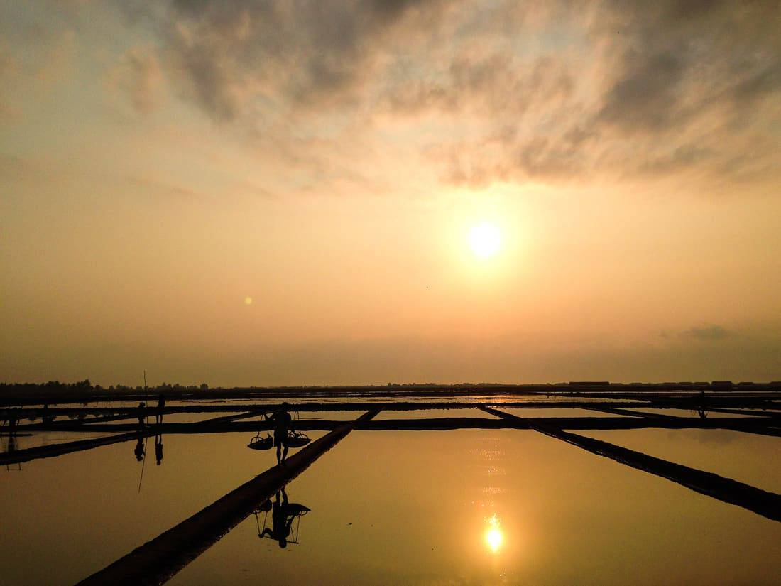 我在柬埔寨贡布盐田的晨跑之旅